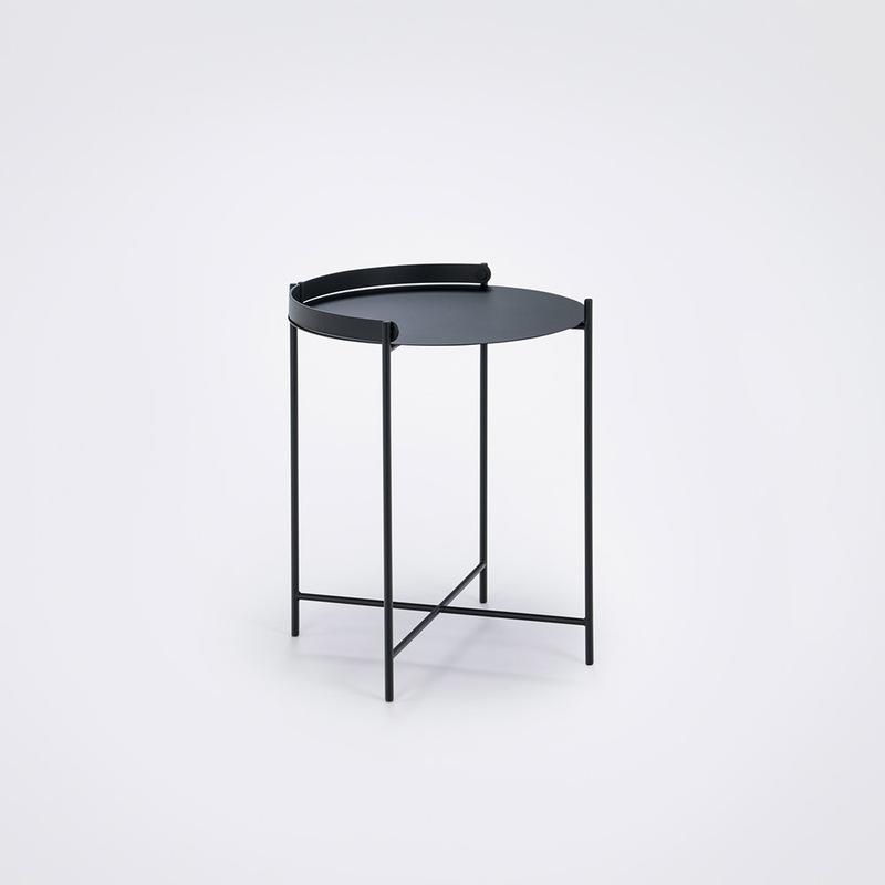 Уличный стол Houe 10911 1212 Edge Tray table Diametr 46 cm black /black legs. Изображение 1