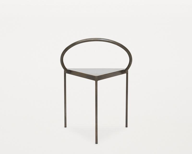 Стул Frama Triangolo Chair Black. Изображение 1