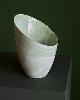 Ваза настольная Ment Skra vase Medium Marmorert